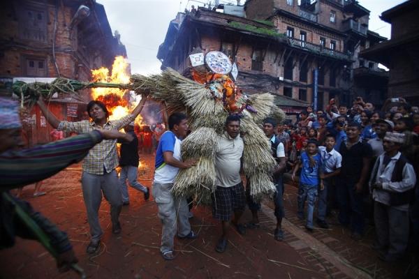 Nepalese burn Ghanta karna