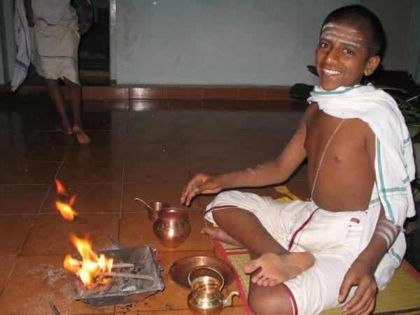 Brahmin_boy_ritual