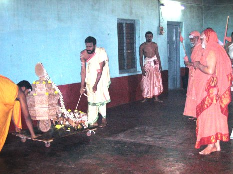 Following a special Puja to Lord Surya seated on a sandalwood Ratha at the Yagashala in the presence of the Jagadguru, the Ratha is pulled