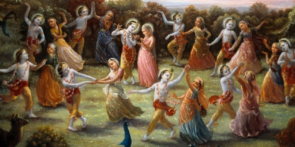 Radha-and-Krishna-in-the-center-of-the-gopis