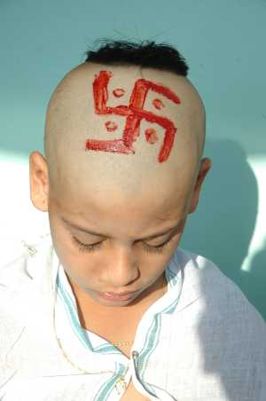 tonsure Swastik_on_head