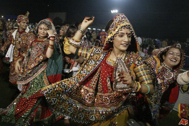 Garba-raas-dance2
