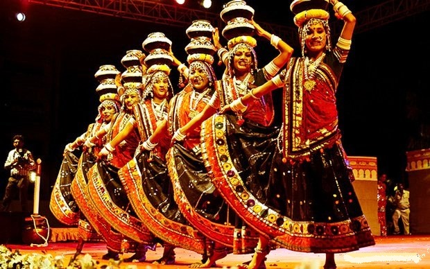 Pune-Garba-Dandiya-Dance1