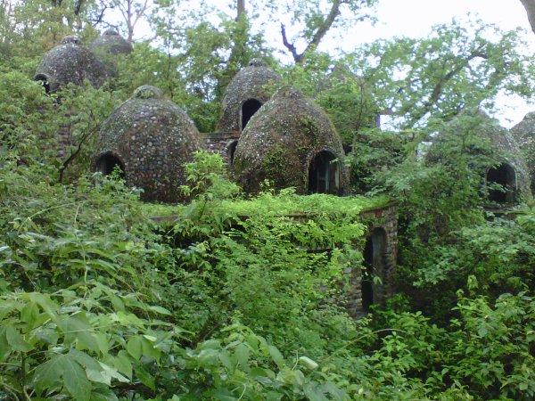 beatles-ashram-huts-II
