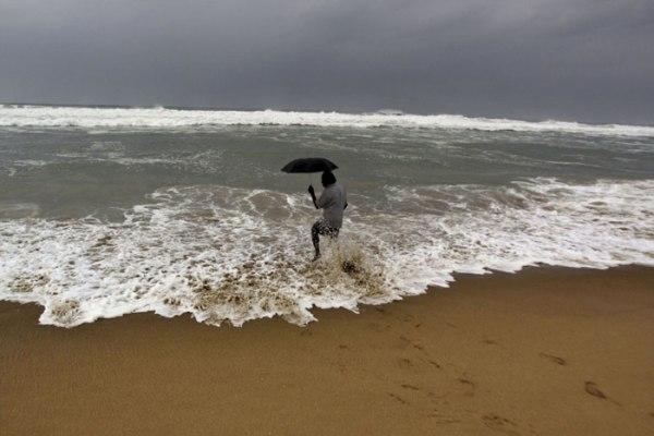 kadal-B_Id_428828_cyclone
