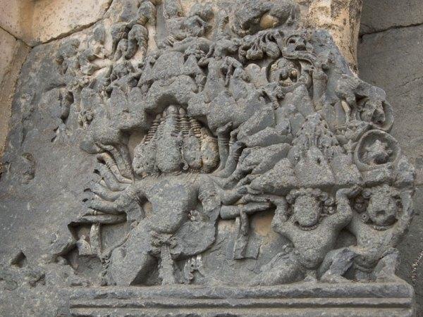 ravana-lifting-kailash