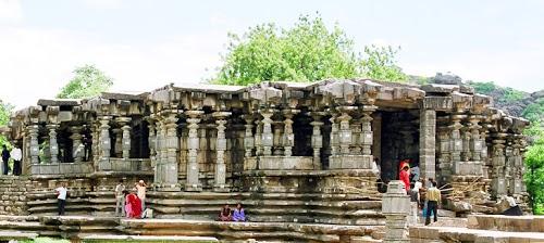 1000_Pillar_Temple1hanamkonda