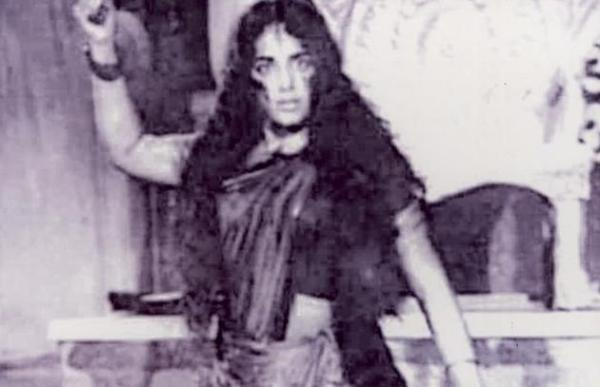 KR VIJAYA as kanaki