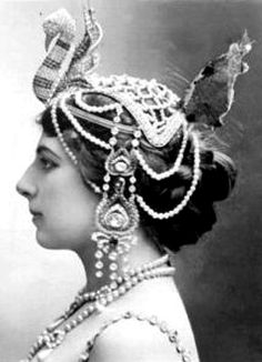 mata hari executed in 1917