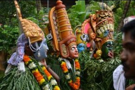 Kummatti-Kali-Onam-Dance