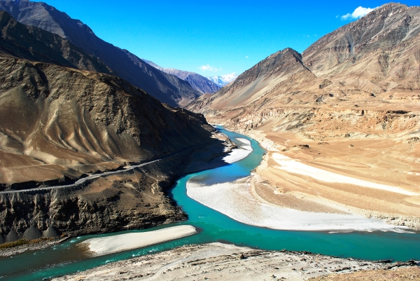 13-10-08_217_CONFLUENCE_OF_INDUS_RIVER_N