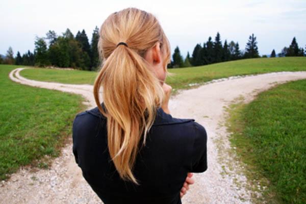 woman-crossroads