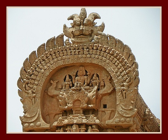 Dakshina Meru! 216 ft. Tall Brihadeeswarar Temple !! (4/6)
