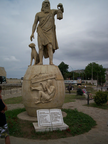 ed914-diogenes-statue-sinop