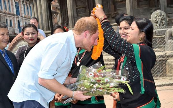 prince-harry-nepal_3597891b