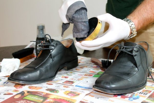 boot polishing