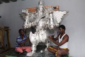purushamirugam,Silver-vahanam-kapali-temple-300x200