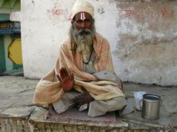 beggar-in-udaipur_21157727