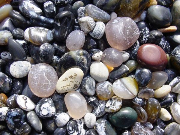 pebbles-2_aw_c