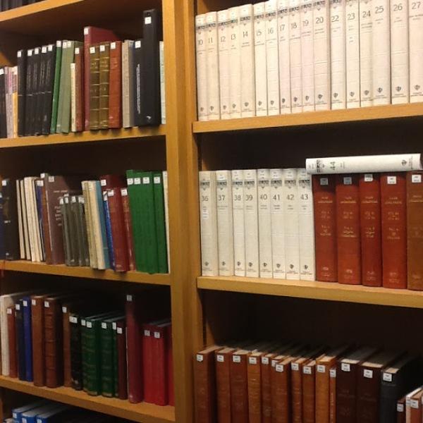 b0a28-2-books252c2bbl.jpg?w=600