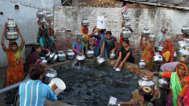 Kalidasa's simile in Tamil 'Kalitokai' about Water