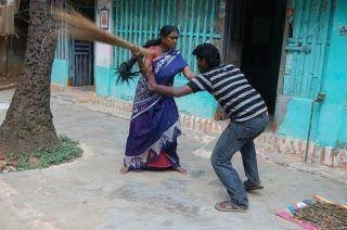 WIFE BEATING HUSBANDS AND POLYGAMY ANECDOTES (Post No.5007